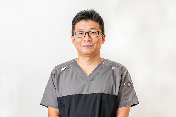「形成外科専門医」が手術を担当します